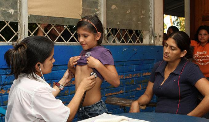 Guayana francesa interesada en colaboradores médicos cubanos