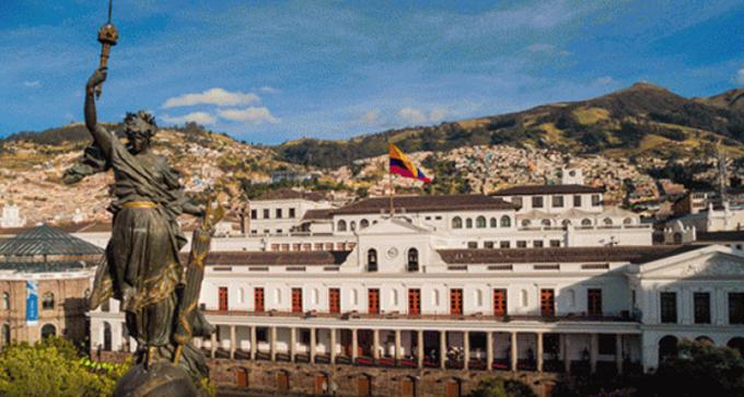 Exhibe Palacio Presidencial de Ecuador muestra de orquídeas nativas