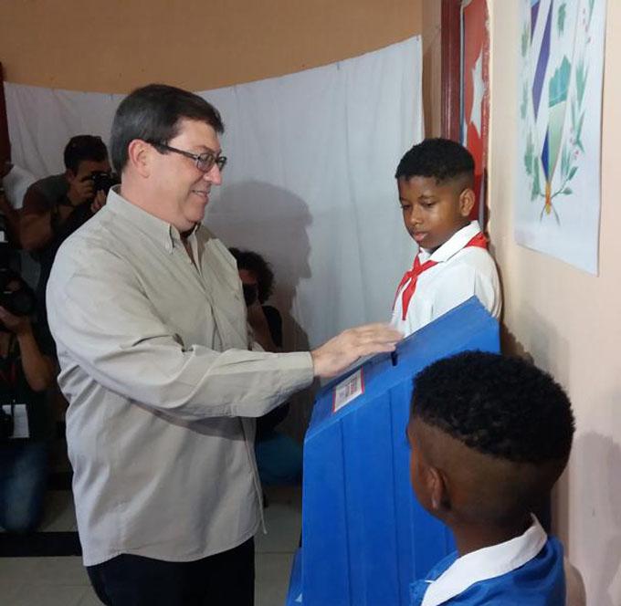 Canciller cubano ratifica profunda solidaridad con Venezuela