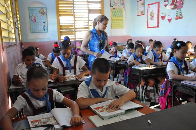 Presidente de Cuba: con la educación un mundo mejor es posible