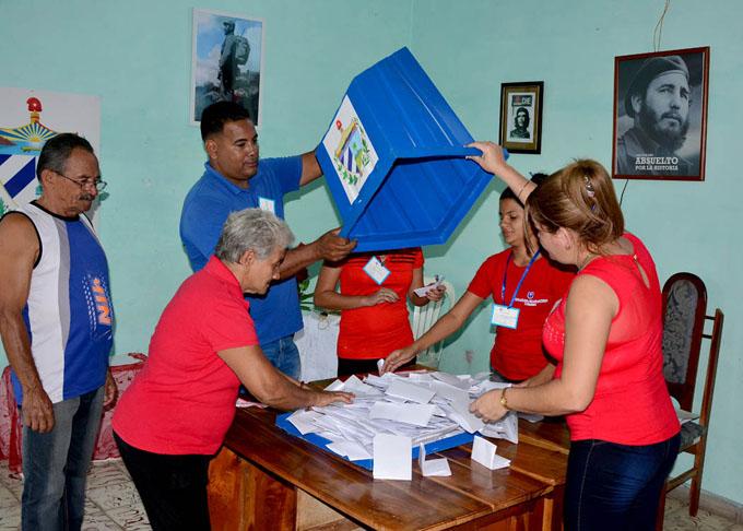 Divulgarán en Cuba resultados de referendo sobre nueva Constitución (+ fotos)