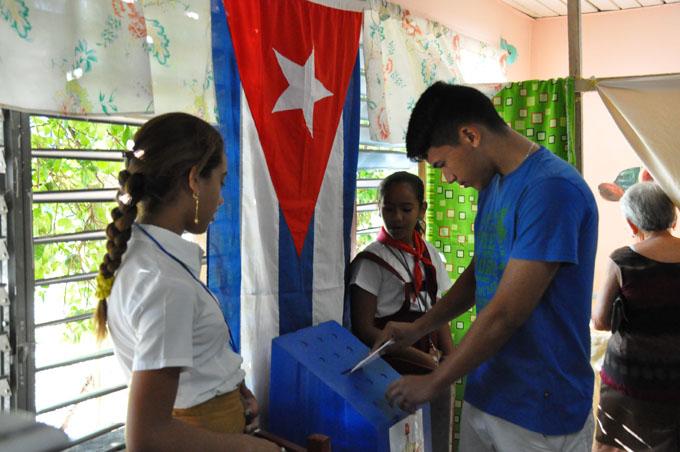 Solo en dos horas votaron más de dos millones de cubanos por su constitución