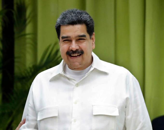 Maduro felicita realización de referéndum constitucional en Cuba(+vídeo)