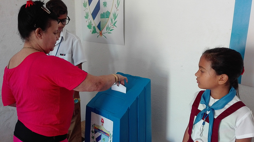 Más del 70 por ciento de los manzanilleros han ejercido el voto