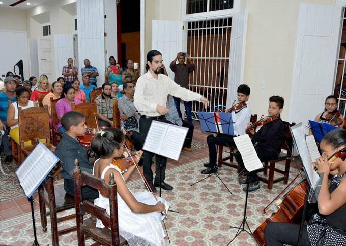 Inició en Bayamo evento musical para pequeños formatos (+ fotos)