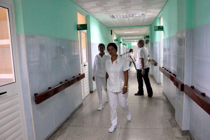 Instan a trabajadores de salud a prestar servicios con mayor calidad