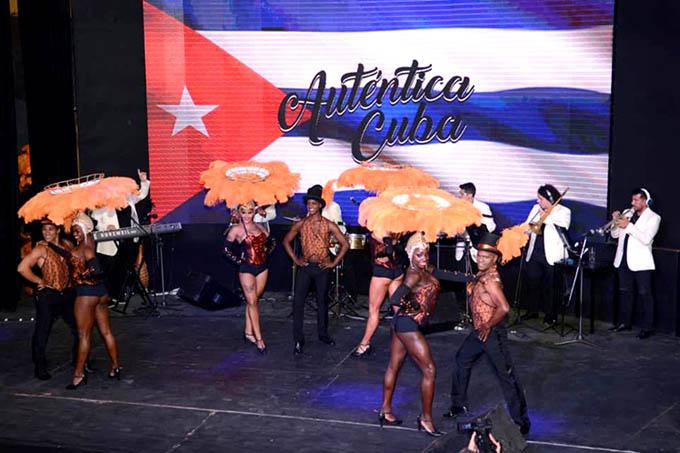Espectáculo Auténtica Cuba triunfa en premios Carlos en Argentina