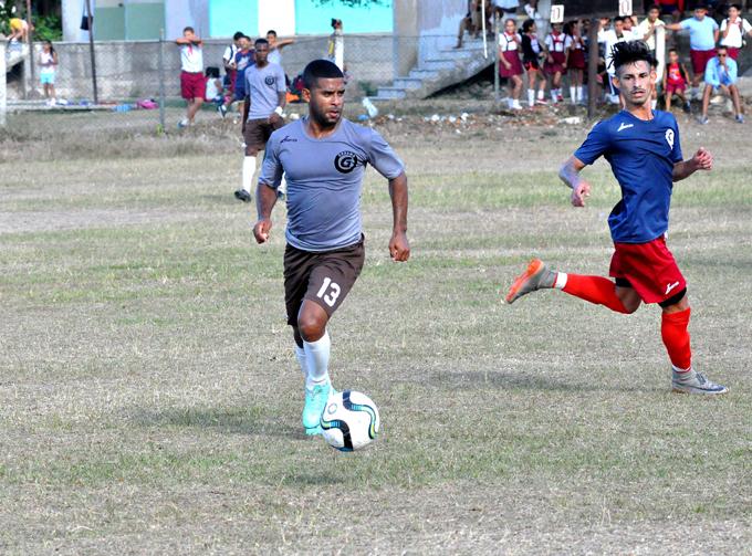 Incansables reviven en fútbol cubano