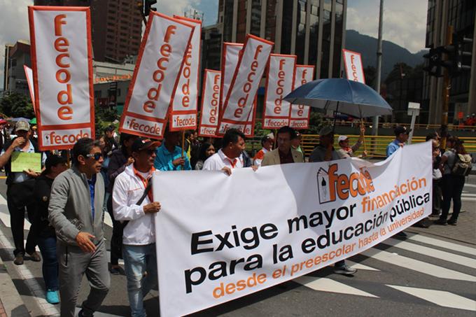 Jornada de paro de educadores en Colombia