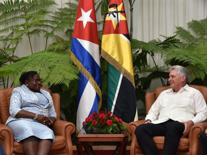 Recibió Díaz-Canel a presidenta del Parlamento de Mozambique (+fotos)