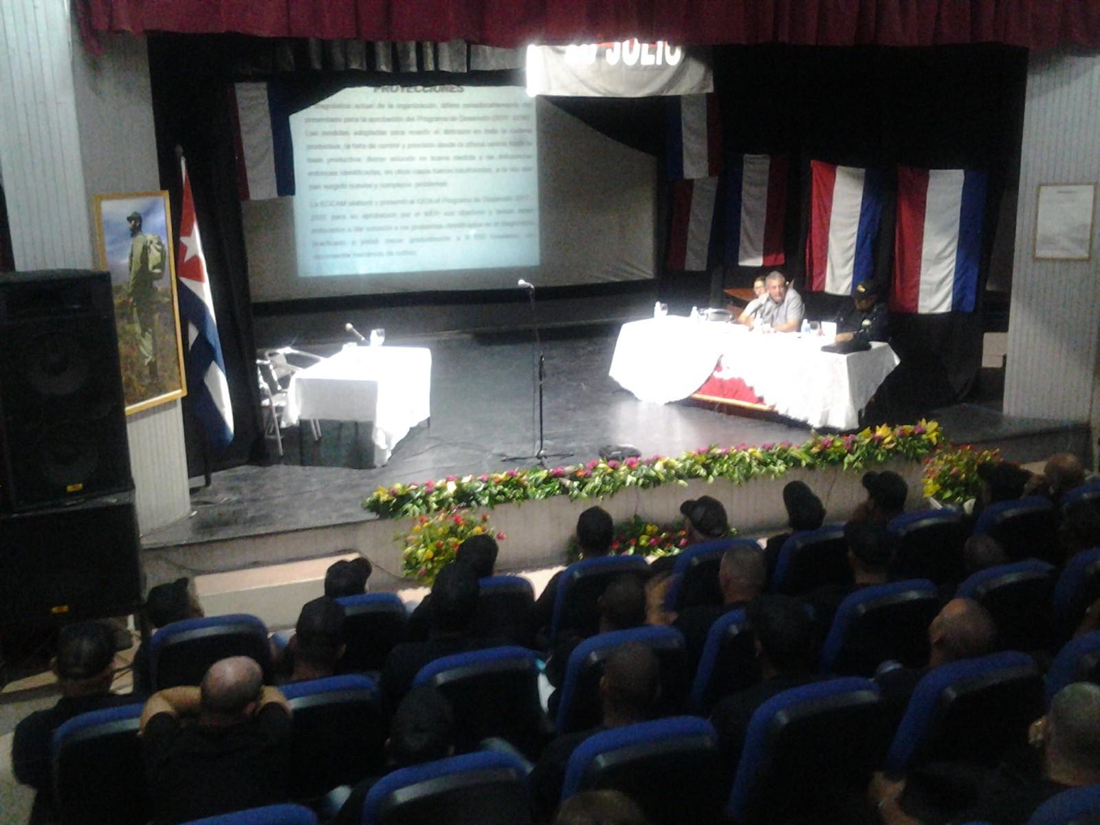 Camaronicultores cubanos miran hacia más eficiencia