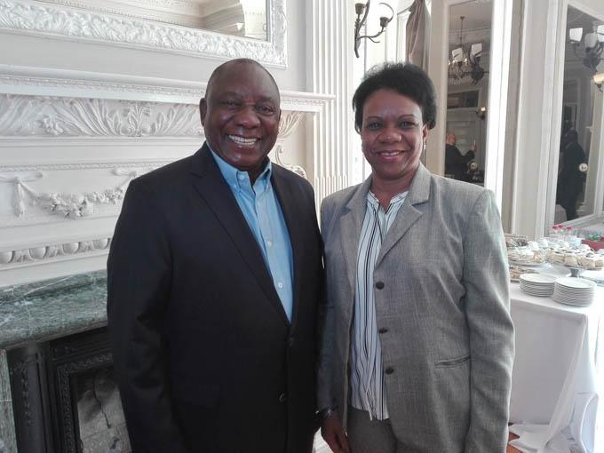 Recibe dirigente comunista sudafricano a vicepresidenta cubana (+fotos)