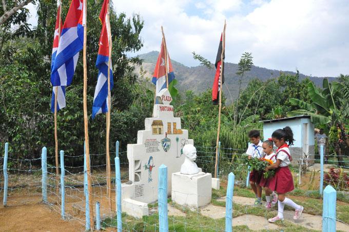 Calidad de vida de los montañeses prioridad del Plan Turquino en Granma (+ fotos)