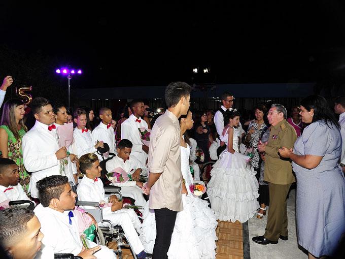 Mandatario cubano anuncia próxima inauguración de centros educativos especiales (+ fotos)