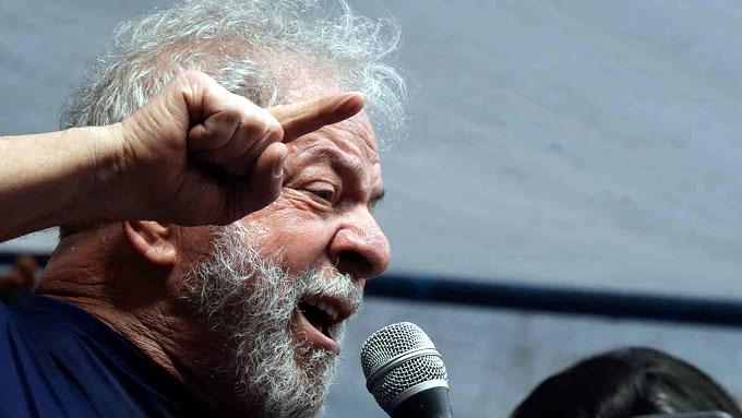 Lula considera momento para enfrentar a extrema derecha en calles
