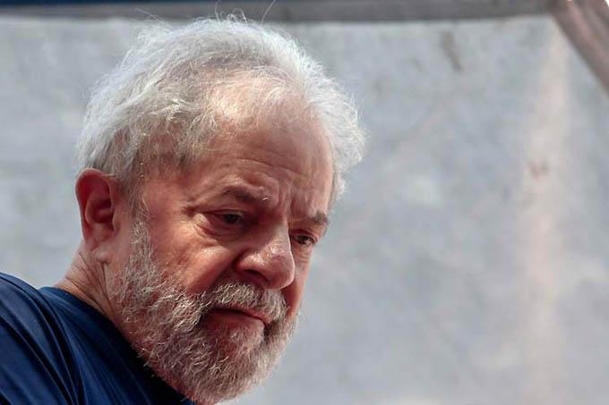 Limitan acceso de los abogados defensores a Lula