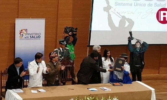 Evo Morales inaugura sistema gratuito y universal de salud en Bolivia(+video)