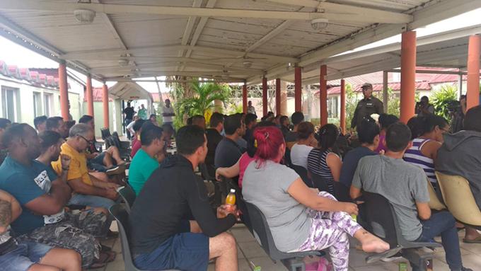 Llega a La Habana grupo de más de 50 cubanos deportados por México