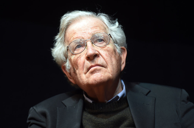 Lula recuperará la libertad y regresará a la presidencia, afirma Chomsky