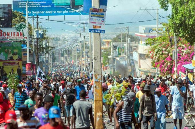 Estrenan líder en Haití mientras crece la incertidumbre política