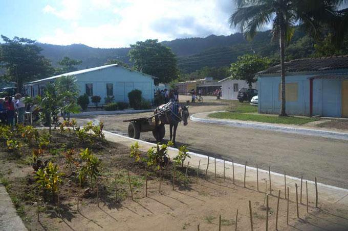 Inauguran nueva comunidad para campesinos en el centro de Cuba