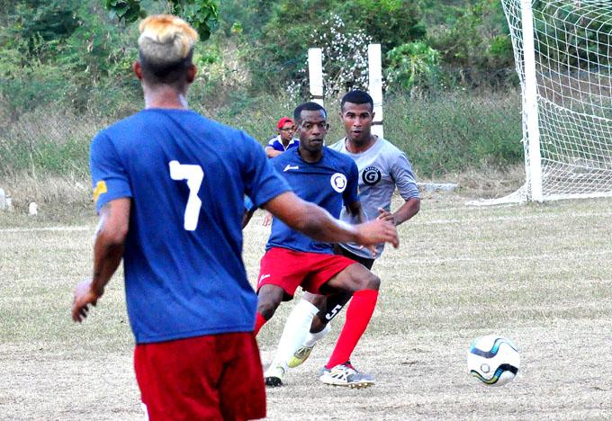 Cayeron los Incansables en apertura del torneo élite del fútbol cubano