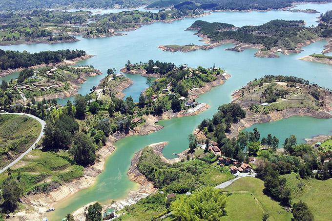 Identifican zonas para almacenar energía hidroeléctrica por bombeo