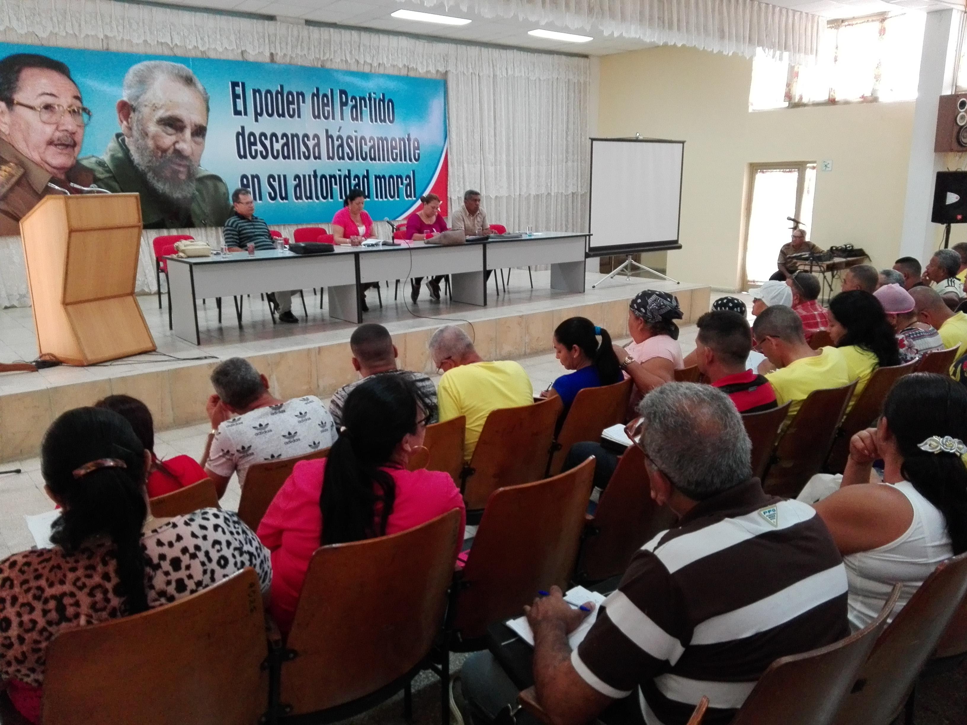 Reciben Delegados de Granma al XXI Congreso de la CTC actualización de la provincia (+fotos)