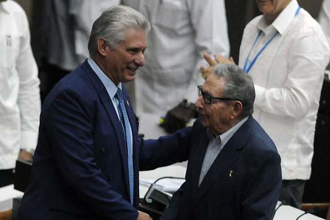 Asisten Raúl Castro y Díaz-Canel a sesión de Parlamento cubano (+Fotos)