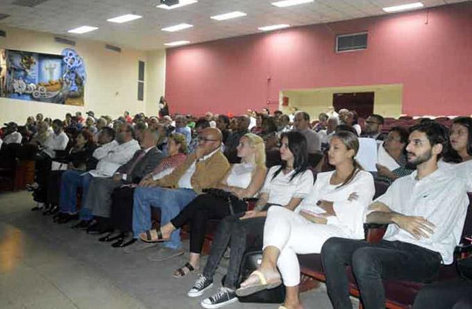 Embajadora cubana en Panamá agradece solidaridad con la isla (+fotos)