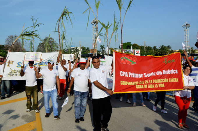 Asumen doble reto sindicalistas azucareros de Granma