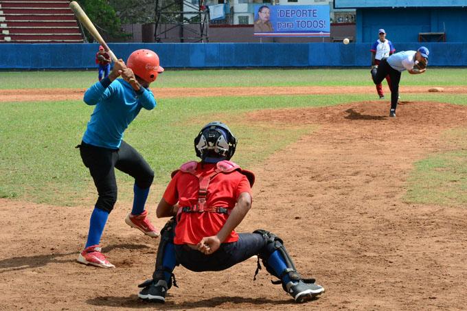 Consiguen primera victoria juveniles granmenses en final del nacional de béisbol