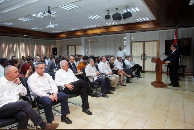 Canciller cubano pide esfuerzos para evitar nuevas medidas de EE.UU. (+fotos)