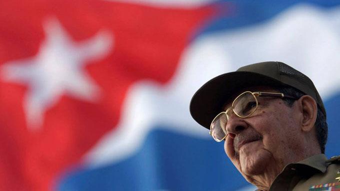 Partido Comunista ruso otorga premio Lenin a Raúl Castro
