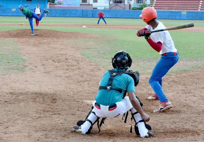 Granmenses marchan segundos en final del béisbol juvenil
