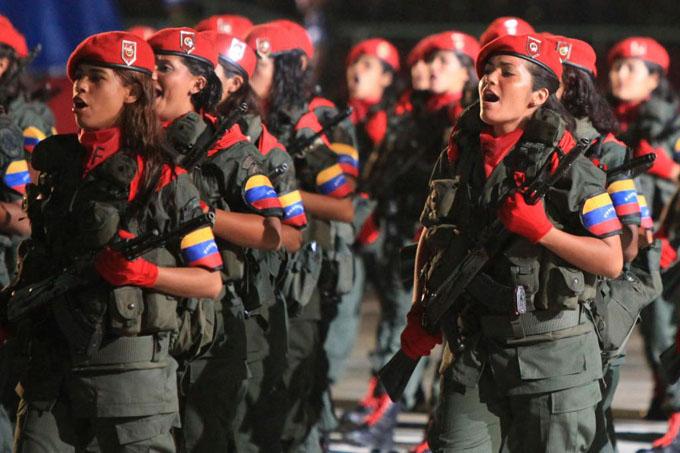 Movilización popular celebra salida de Venezuela de la OEA