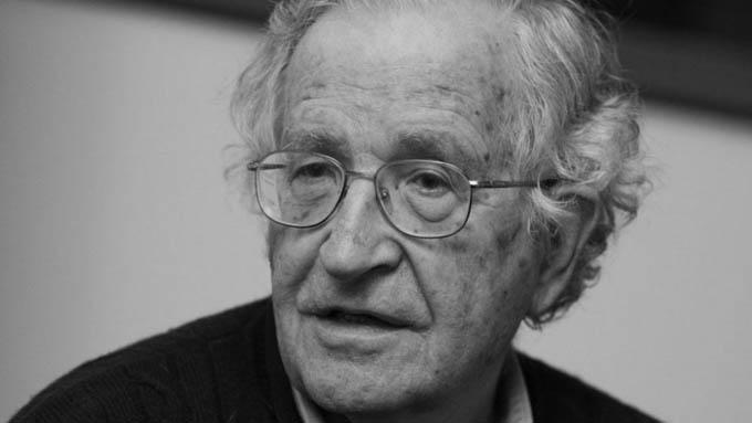 Lula, prisionero político más importante del mundo, afirma Chomsky
