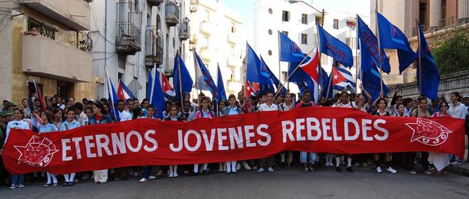 Díaz-Canel felicita a organizaciones de jóvenes y pioneros (+fotos)
