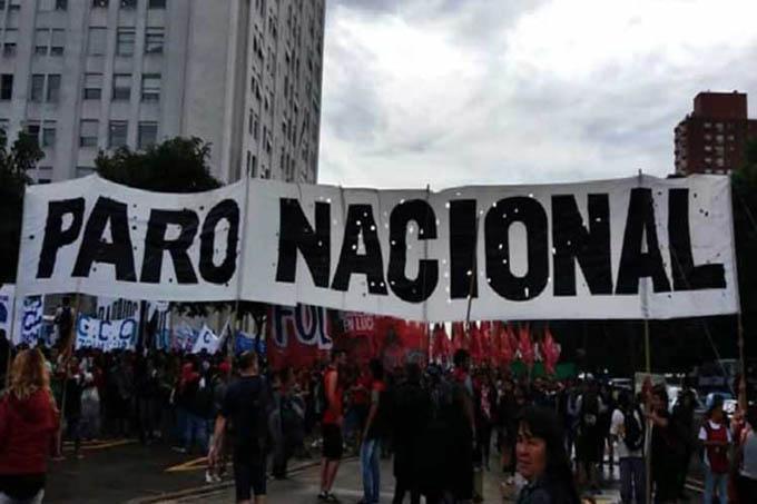 Con ecos de un paro, trabajadores argentinos encabezan otra protesta