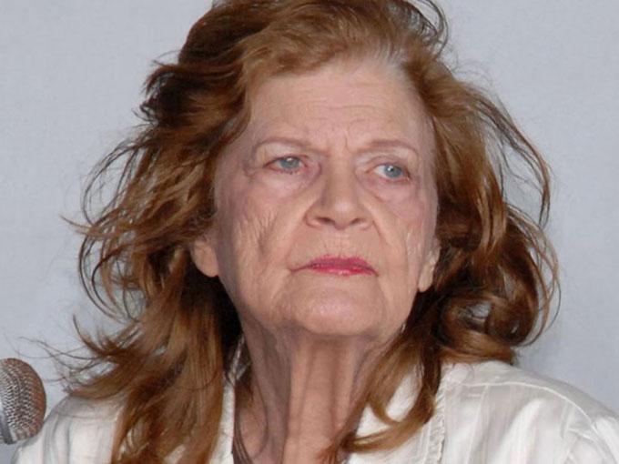 Figura de Carilda Oliver enriquecerá colección del Museo de Cera de Bayamo