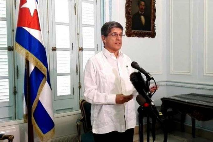 EE.UU. aislado en su política contra Cuba, afirma diplomático