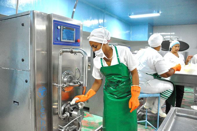 Implementan medidas para garantizar productos lácteos (+ audios)
