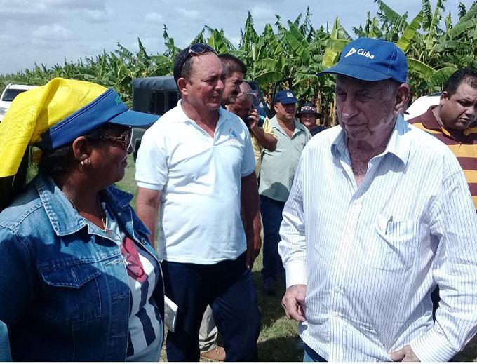 Constata Machado Ventura avances en polos productivos de la provincia de Granma