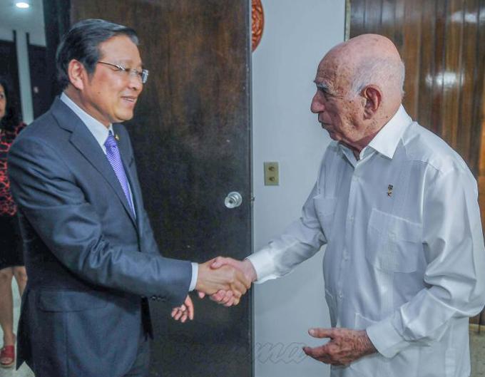 Recibió Machado Ventura a dirigente vietnamita
