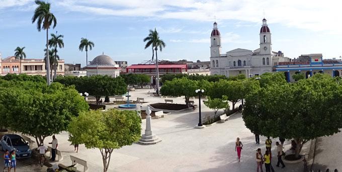"""""""Manzanillo, de Cuba"""": recuento apasionado y hermoso"""