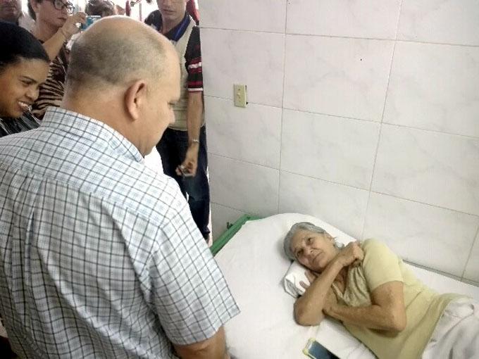 Morales Ojeda continúa periplo en hospital manzanillero (+ fotos)