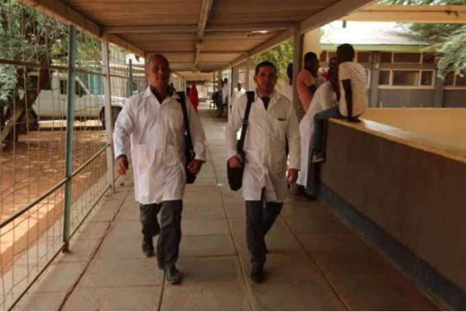 Ratifica Ministra de Salud de Kenya que continúan las acciones para lograr el regreso de nuestros dos médicos secuestrados