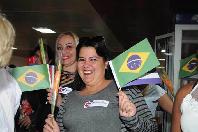 Díaz-Canel resalta labor solidaria de médicos cubanos en el mundo (+ Fotos)