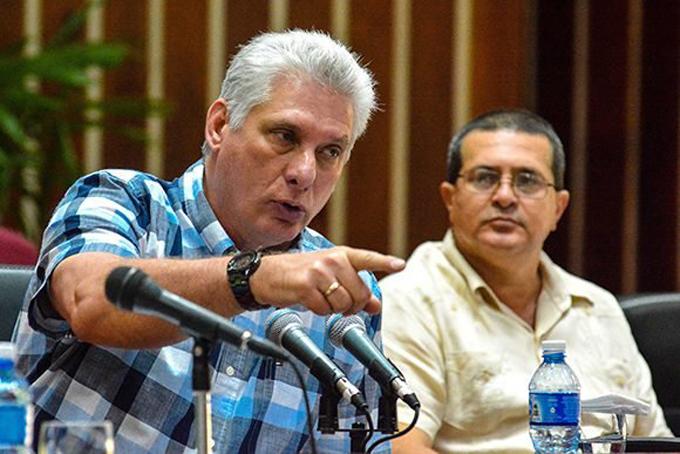 Convoca presidente de Cuba a potenciar industria nacional