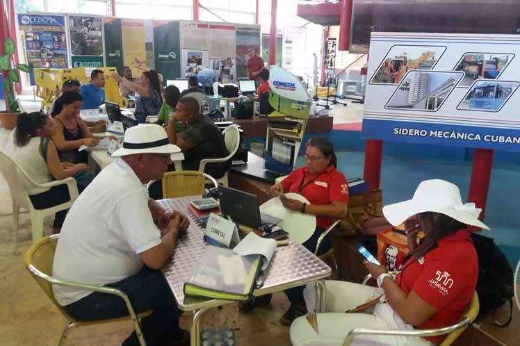 Abogan en Feria de Negocios en Cuba por potenciar industria nacional (+ fotos)